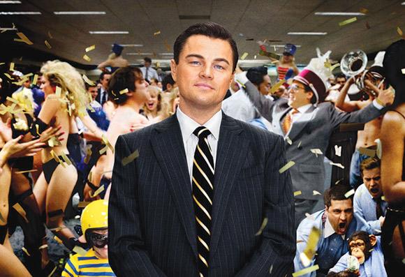In de film 'The wolf of Wall Street' speelt Martin Scorsese met alle schijnwaarden van de wereld van het grote geld.